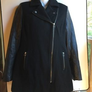 AMERICAN EAGLE OUTFITTERS BLACK COAT SIZE MEDIUM